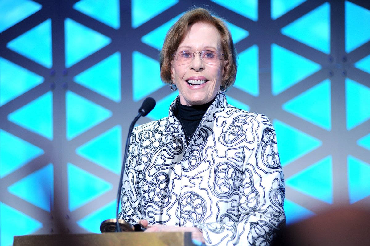 Congratulations to the one and only #CarolBurnett on receiving the first-ever #Peabody Career Achievement Award, presented by Mercedes-Benz tonight! https://t.co/NdrFhWiQ07