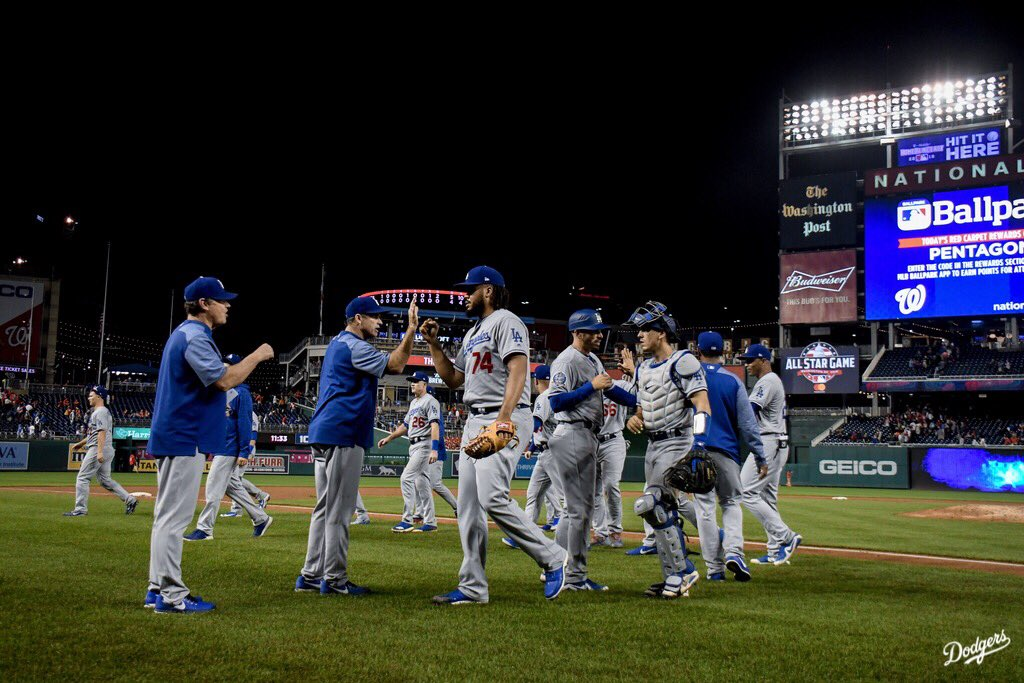 W! #Dodgers https://t.co/LVIfAPUjV2