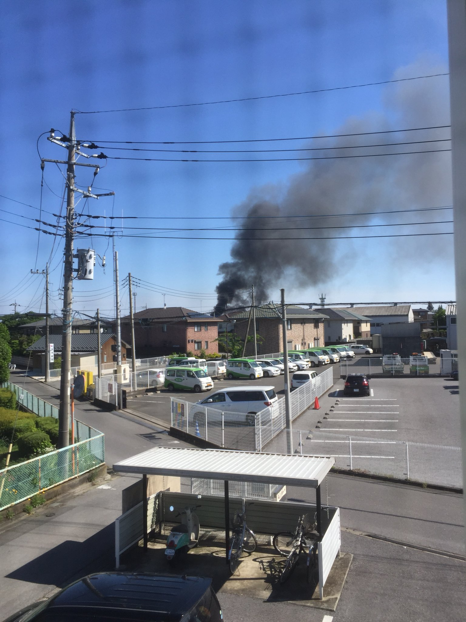 画像,近所で火事消防車10台くらいは通ってる怖い https://t.co/KpxTMB5NnO。