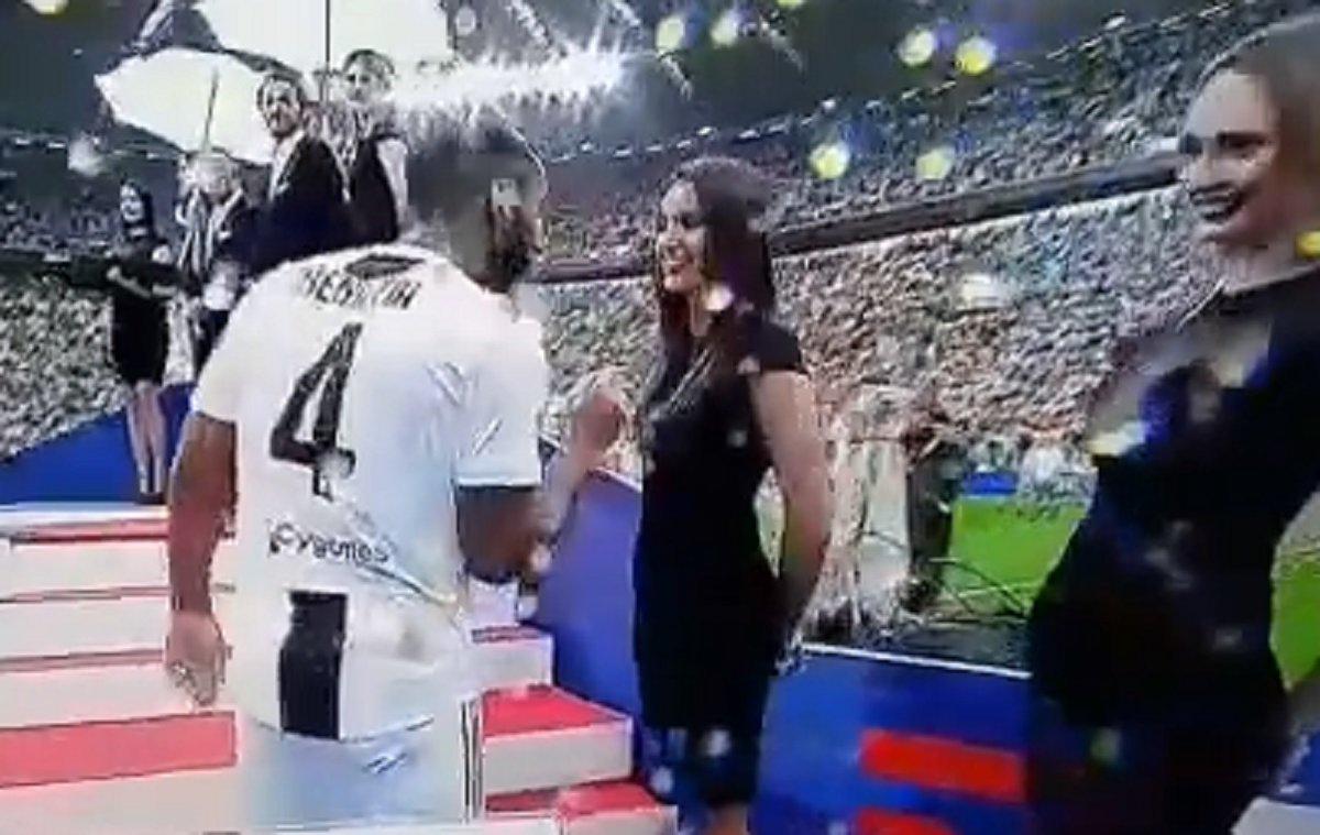 """Benatia e le miss: alla festa scudetto: brutta figura """"epica"""" in stile Fantozzi - https://t.co/WkJzq0oTS8 #blogsicilianotizie #todaysport"""