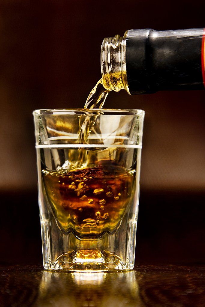 алкоголь налить картинки является