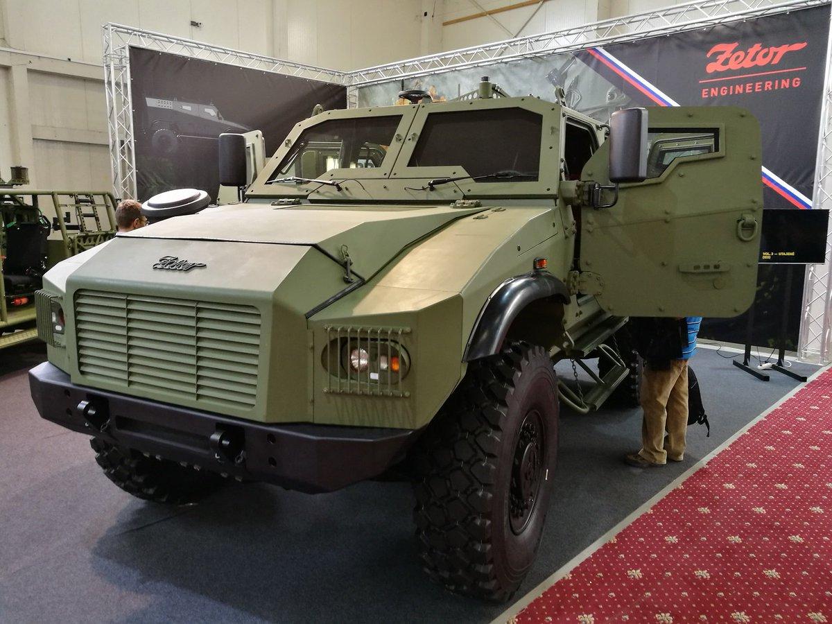 شركة Zetor الهندسيه التشيكيه تكشف عن العربه المدرعه  Gerlach  DdoayvhVwAA4aGv