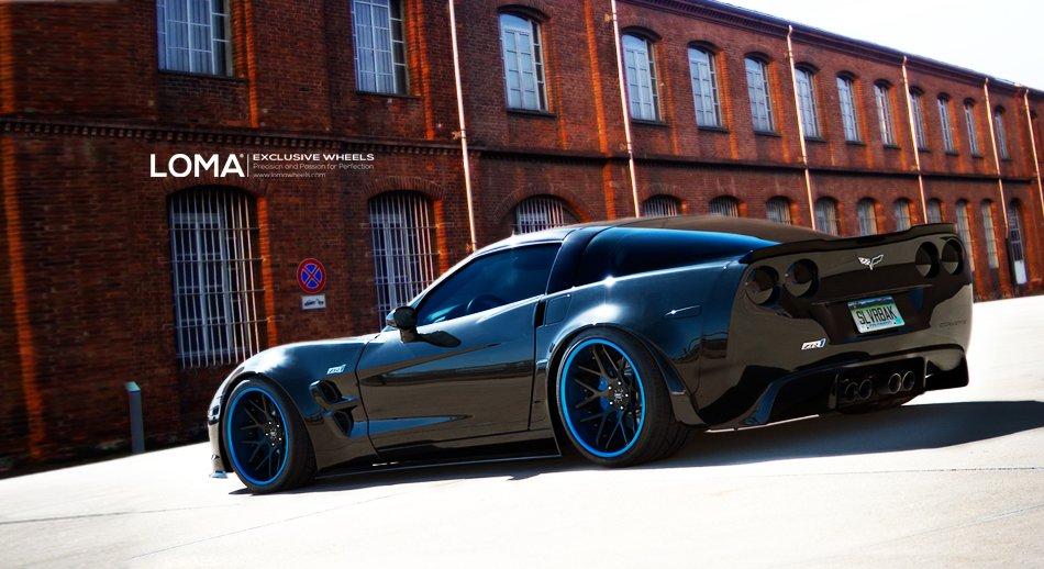 Loma Corvette Black