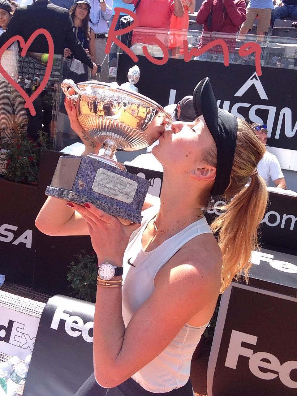 The best part comes now: the celebration! �� Congrats, @ElinaSvitolina, our #ibi18 Queen! ��   #tennis #WTA https://t.co/cbPZ7Cp2p3