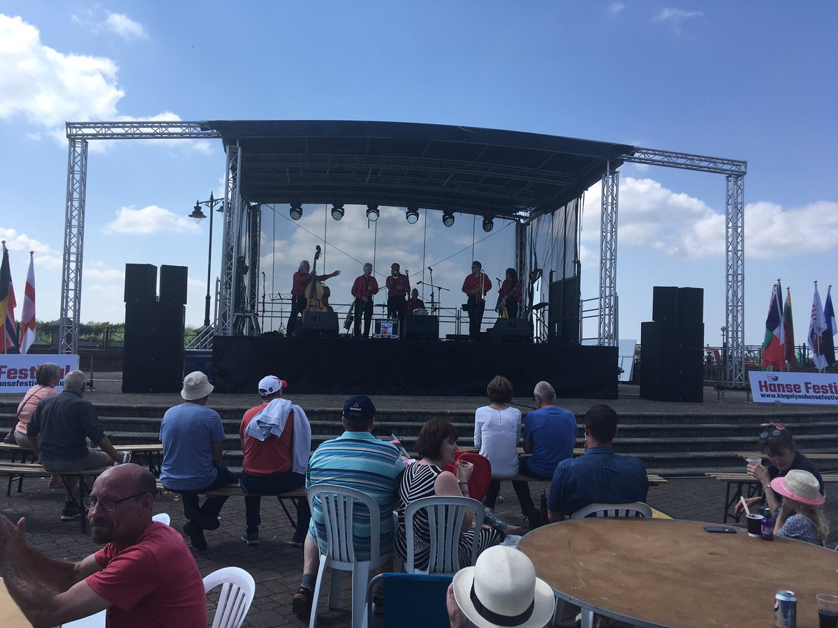 @Dixiemixjazz on stage! Come and enjoy some fine music and a pint of beer or a glass of wine (soft drinks also available!) in the sunshine. #lovewestnorfolk
