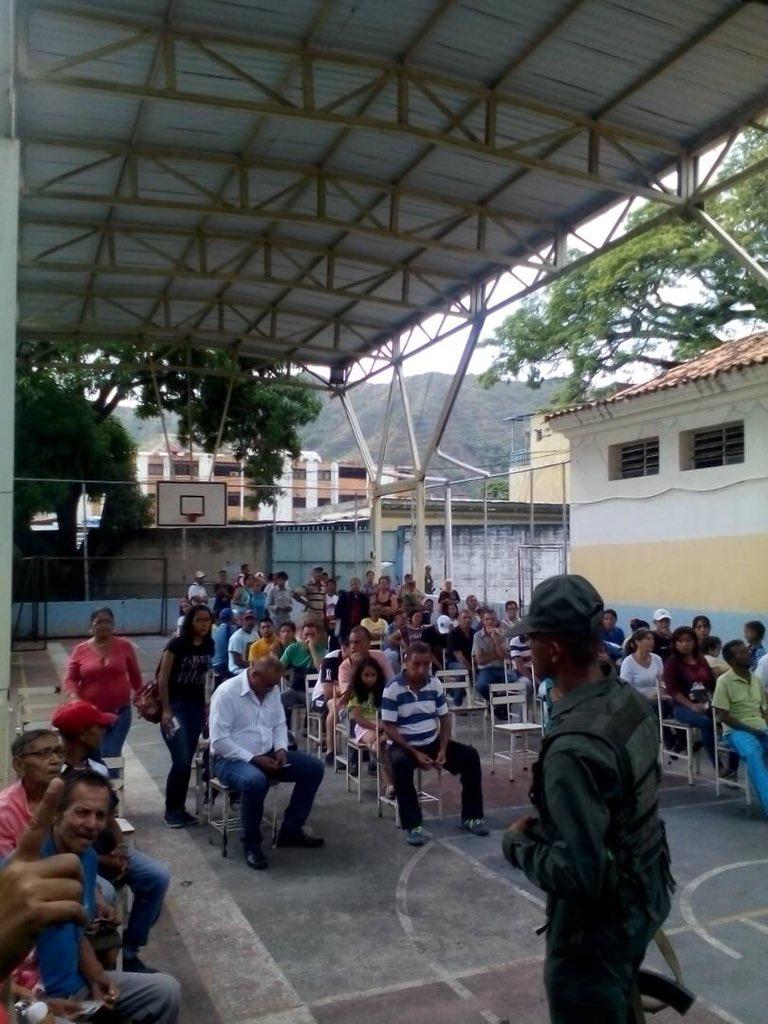Tag orlandofiguera en El Foro Militar de Venezuela  DdpiHUVUQAE25XB