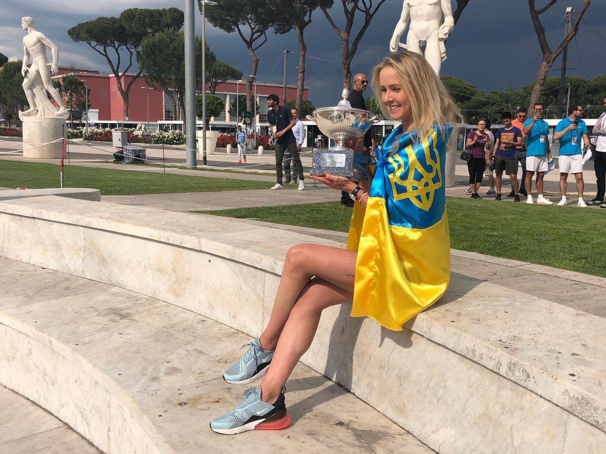 Світоліна виграла турнір WTA в Римі, обійшовши у фіналі першу ракетку світу Халеп - Цензор.НЕТ 8538