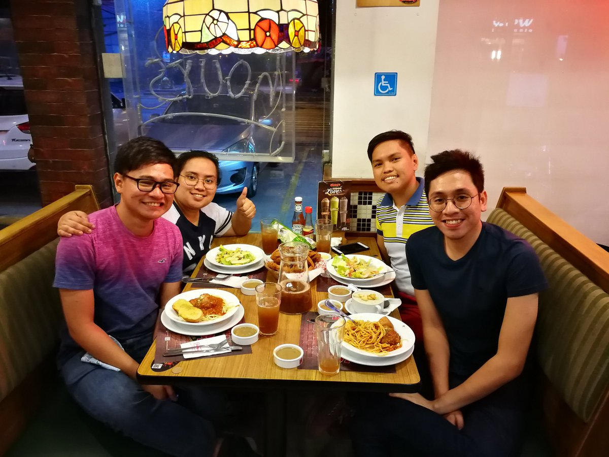 Too many hellos and goodbyes this weekend. Love you all!   My heart is full pero yung social bar ko naghihingalo na. Sorry officemates.<br>http://pic.twitter.com/58mSn5YQAm