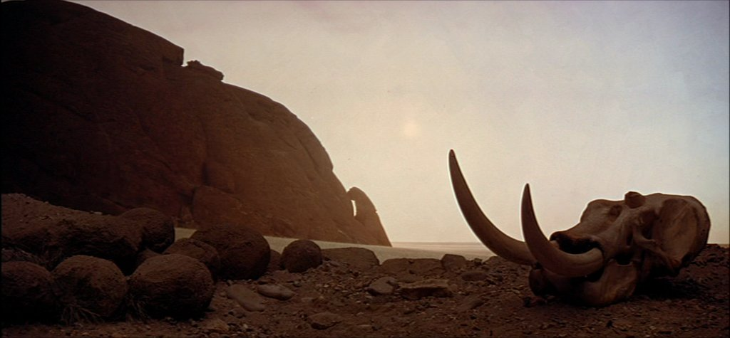 #INSPIRATION: Oddly enough, my love for Alien desertic landscapes comes from the first shots of Kubrick&#39;s 2001: a Space Odyssey movie, the Dawn of man sequence.. soo eerie and primal.. Still in love with it. <br>http://pic.twitter.com/uYB5FbxEYk