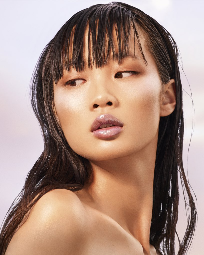 😍 Huan in the new @fentybeauty #KILLAWATTFOILS and #SUMMERDAZE Lip Luminizers. Get yours at https://t.co/qw885ko2Vs at MIDNIGHT ET tonight!!