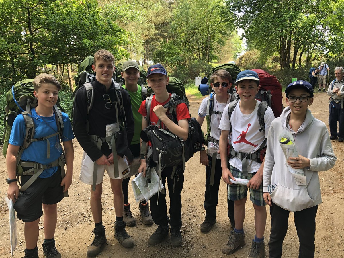 Third Form out in force and enjoying the weather on their @DofESouthEast Bronze practice expedition #FD4 #Teamwork #Planning #GettingLost #Navigation #Cooking #LivingNotSurviving<br>http://pic.twitter.com/HD7hH9T89D