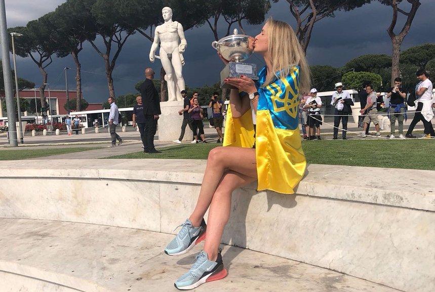 Світоліна виграла турнір WTA в Римі, обійшовши у фіналі першу ракетку світу Халеп - Цензор.НЕТ 5994