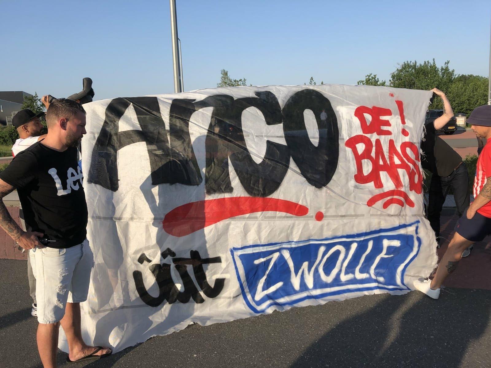 Feestje met @AncoJansen ergens tussen Zwolle en Staphorst. Welkom @FC_Emmen  in de eredivisie met onze @AncoJansen https://t.co/wD7PhHeaEY