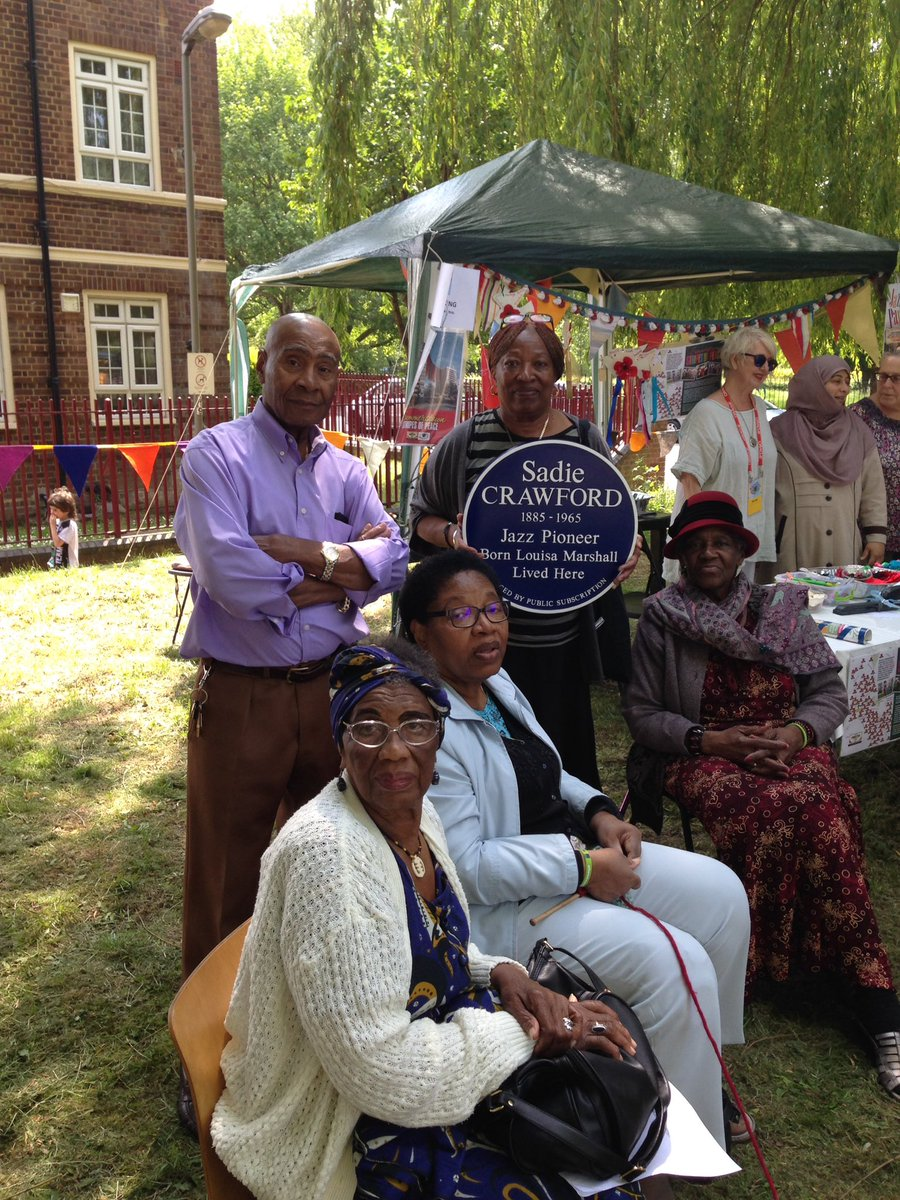 Great to show #Tooting @Hestia1970 Choir our #FirstLadySadie #JazzPioneer Plaque - look forward to visting you soon Just wonderful to have you all perform today at #Hazelfest @WAFfringe