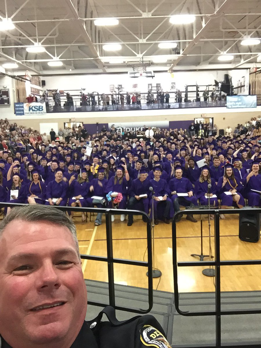 Congrats to Dixon High School Class of 2018 #DukePride #dixonstrong @dukesduchesses @DixonPolice<br>http://pic.twitter.com/SAaKz5FmHh
