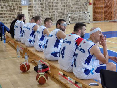 Košarkaši Odžaka poraženi u Ravnom Selu https://t.co/rdSIyh7O0F https://t.co/8iKwOHwo3b