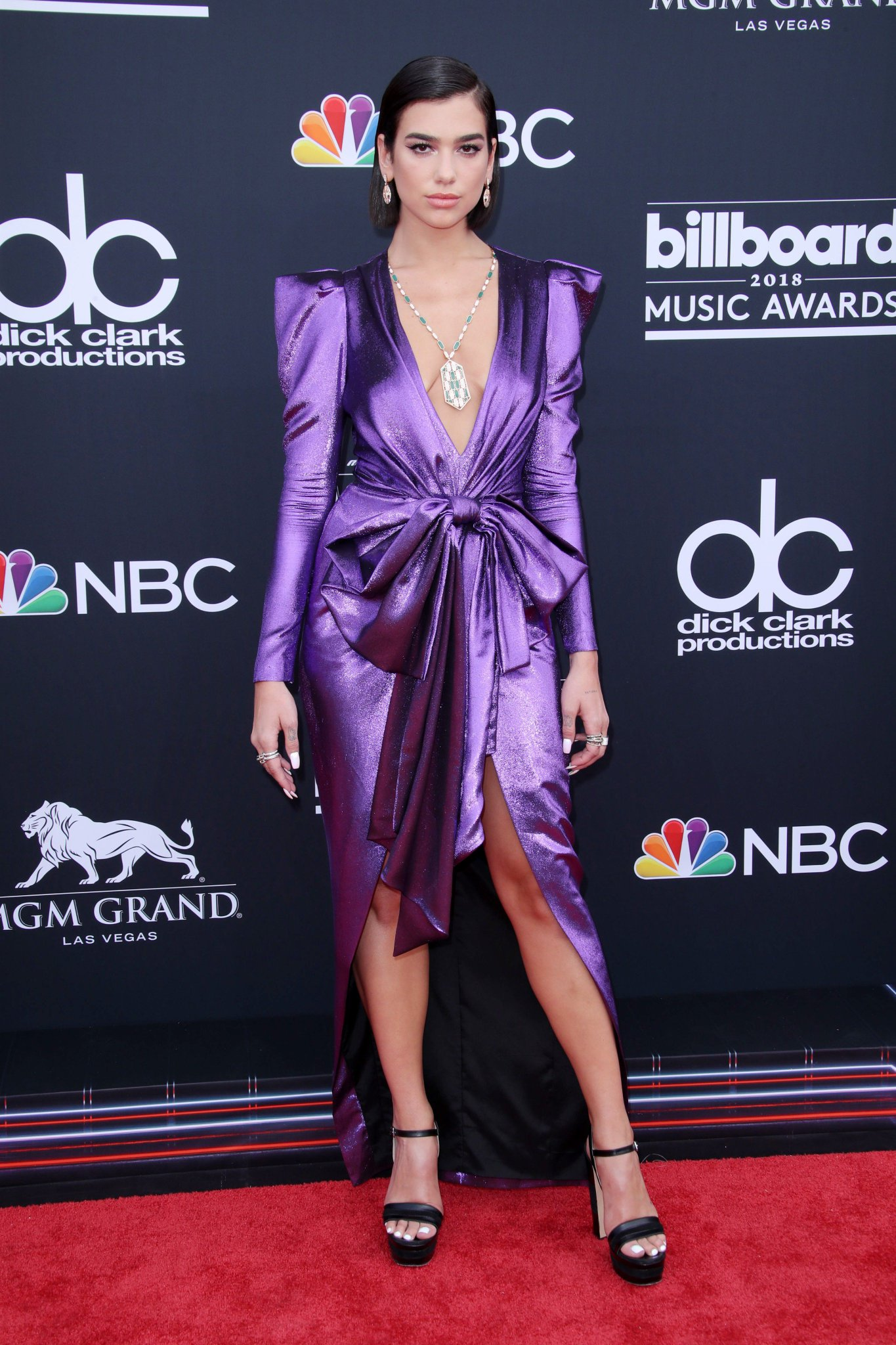 .@DUALIPA has arrived at the #BBMAs. See more arrival photos here: https://t.co/Rkv0D6HaMi https://t.co/2KyQLeMcCr