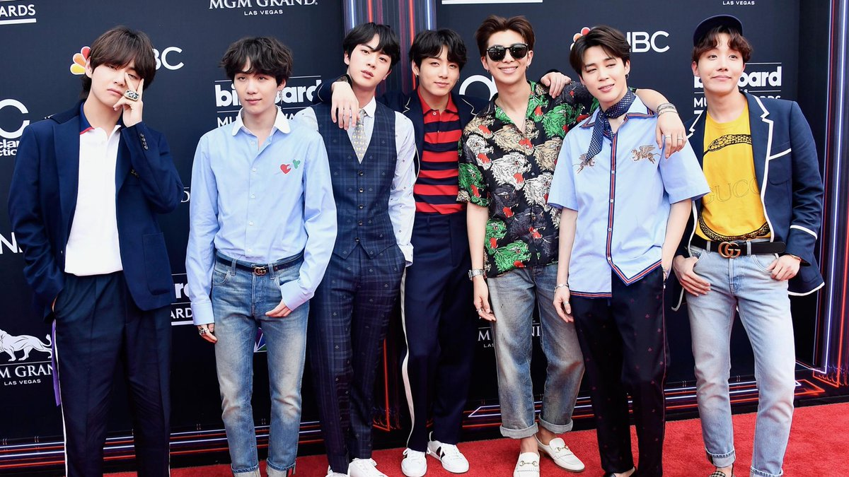.@BTS_twt just arrived on the red carpet in seven distinct outfits by @Gucci. https://t.co/EE0oKm95Yb