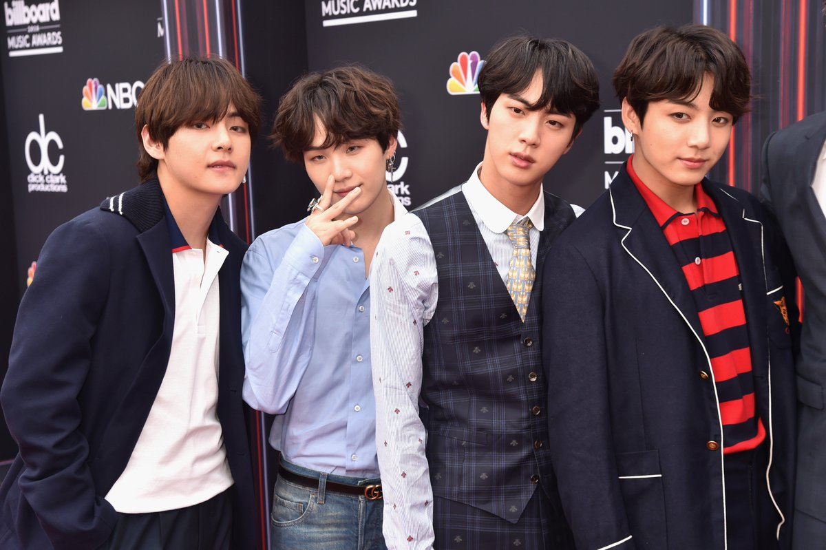 Check out these cuties! @bts_bighit #BBMAs https://t.co/wh85O9WtKW