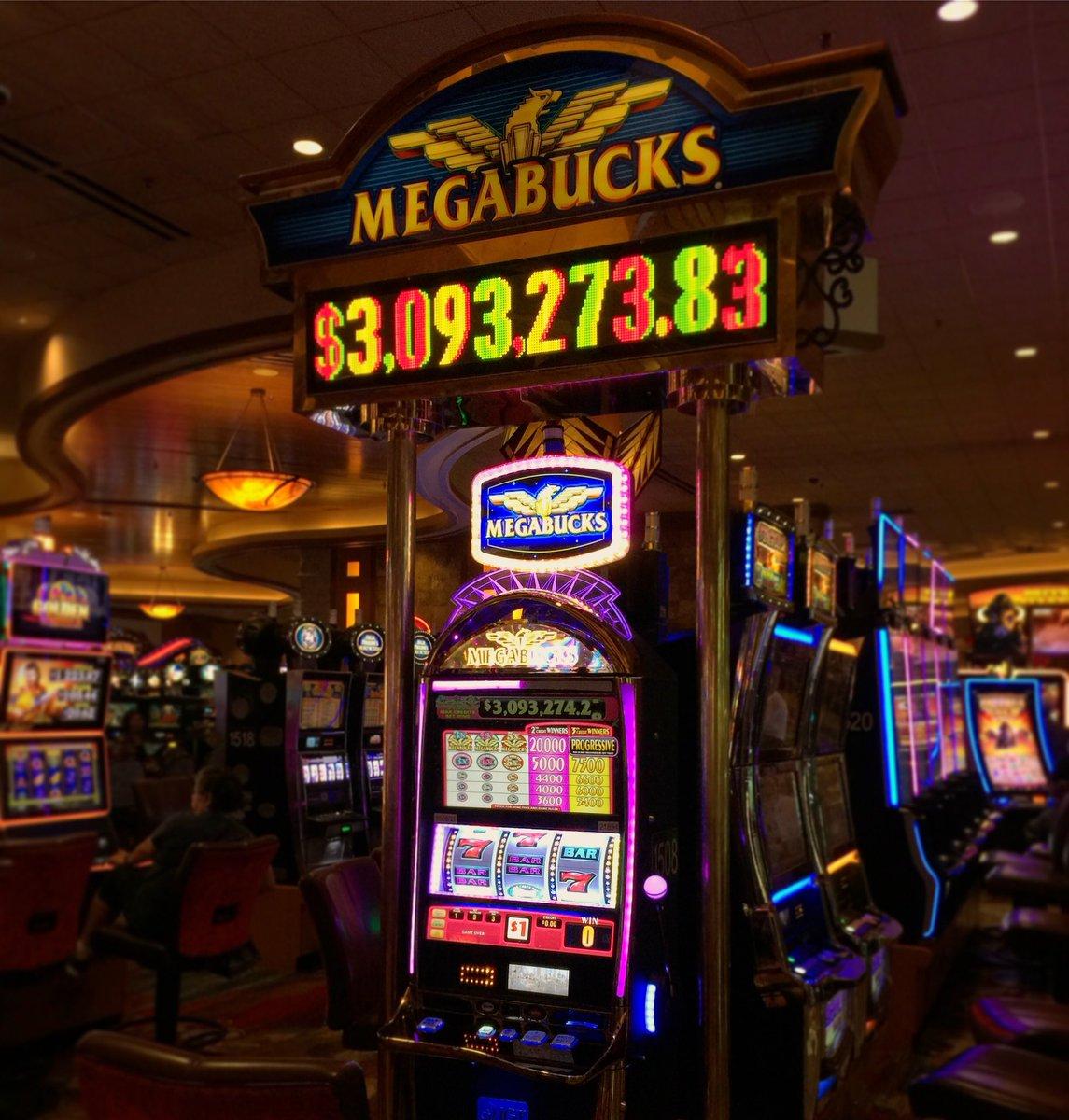 """Pechanga Resort Casino di Twitter: """"Ini Hari Jutawan!  Coba keberuntungan Anda di Megabucks!  Jackpot sekarang lebih dari $ 3 juta!  ? # SlotMachineSunday #Pechanga #Baru #SlotMachine #SlotMachines #Slots #Casino # Menang #"""