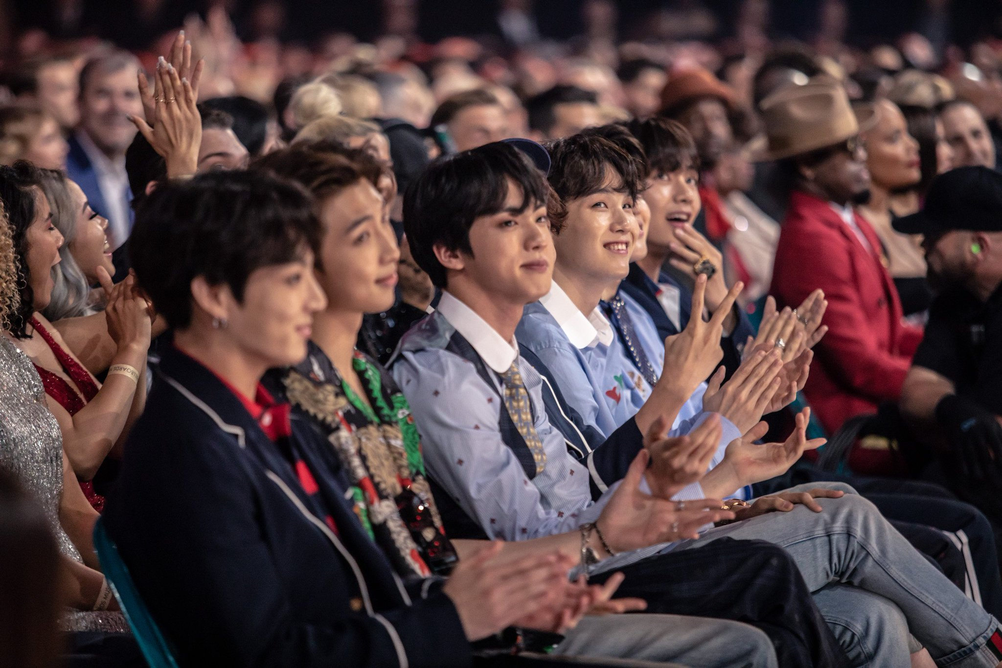BTS enjoying the Billboard Music Awards (pics courtesy of DCP Social / DCP Digital) / @BTS_twt https://t.co/cthlNyHhmm