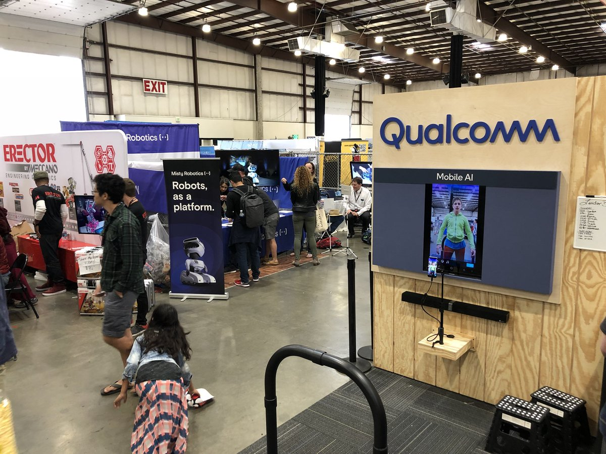 .@MistyRobotics next to our friends at @Qualcomm @Qualcomm_Tech. We have both the Snapdragon 410C and Snapdragon 820 in Misty&#39;s head #robots #makerfaire2018<br>http://pic.twitter.com/ipwOTZISGN &ndash; à San Mateo County Event Center