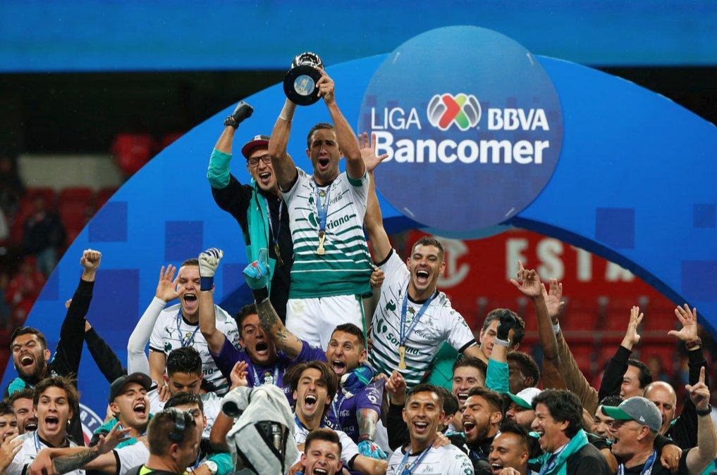 La 3ra fue la vencida - Santos vs Toluca en @LIGABancomerMX   Clausura            2018          SAN, 3-2 Bicentenario      2010          TOL, 2-2<< Verano               2000          TOL, 7-1  >>Ganó en penales