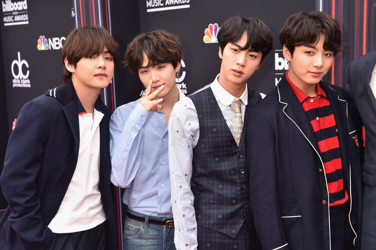 The internet can't stop talking about @BTS_twt's glowing skin at the #BBMAs ✨ Here are all their best beauty tips: https://t.co/Od6UdDd9Wx