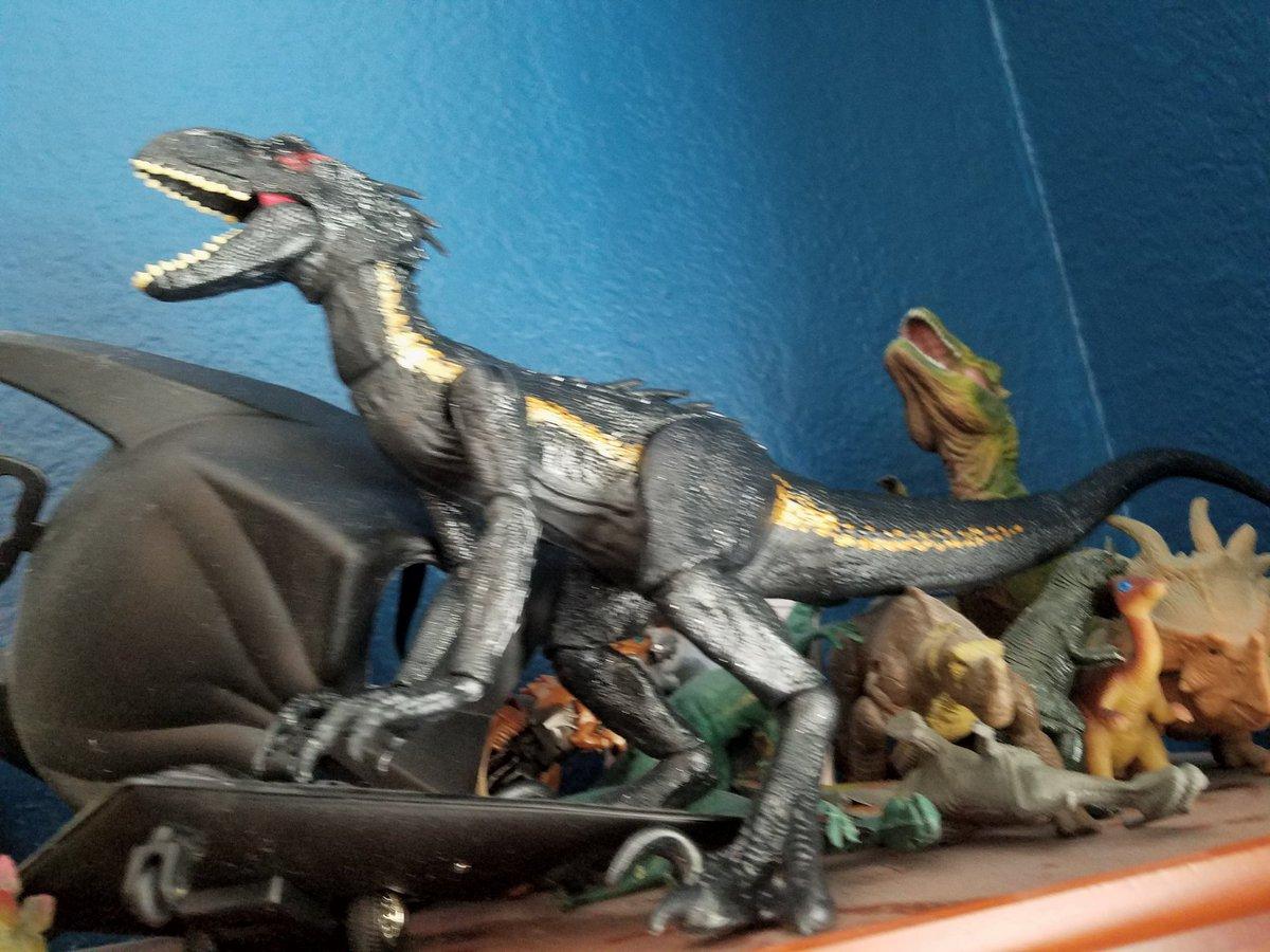 I got the Indoraptor figure a few days ago!!!!!!😉😉😉😎😎😎😎😎 #JurassicWorldFallenKingdom #FallenKingdom #Indoraptor #mattel #DinosaurHybrid #AwesomeThings #dinosaurtoys
