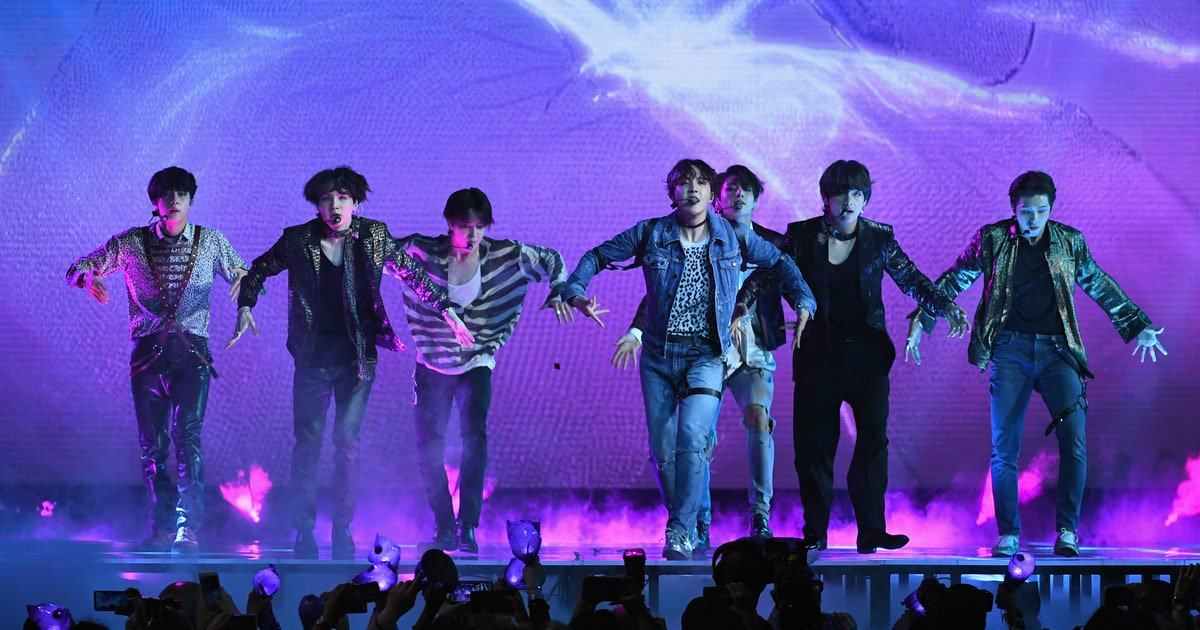 Watch BTS perform their new emo/hip-hop-tinged 'Fake Love' on the #BBMAs https://t.co/lQ2oRXBcQV https://t.co/QClKwqOBC1