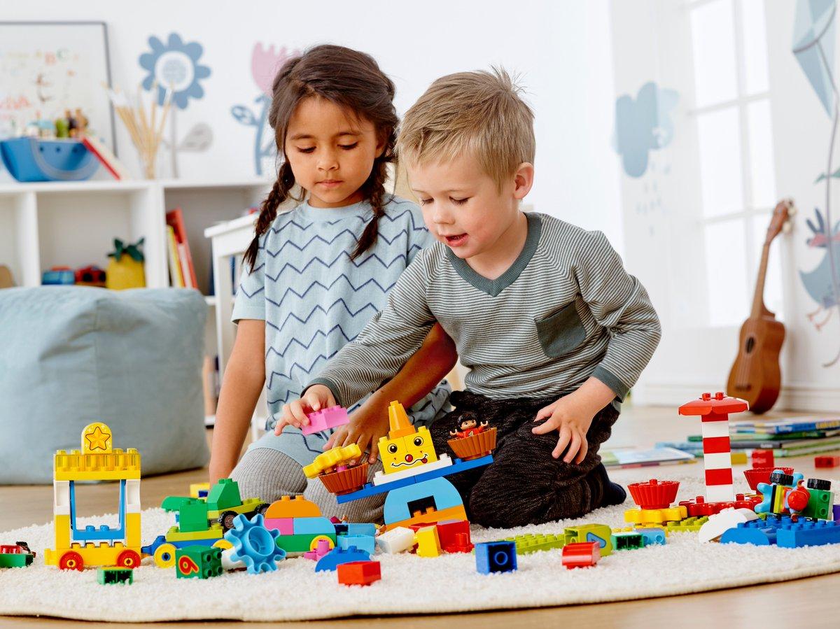 Картинки детей играющих в лего
