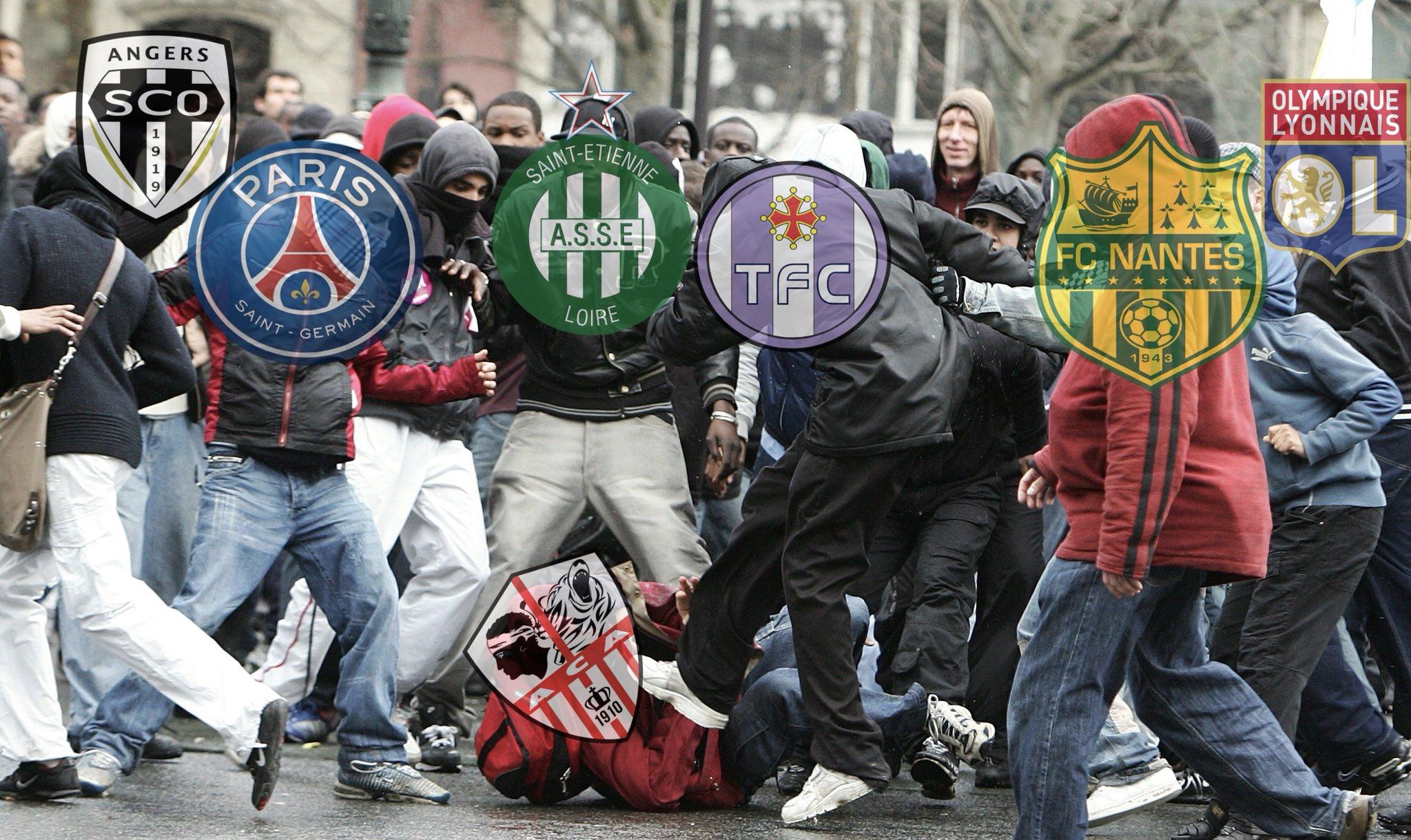 On dirait cette semaine la France du football elle va être comme ça : #ACAHAC #ACATFC https://t.co/ADWCVPYuU8