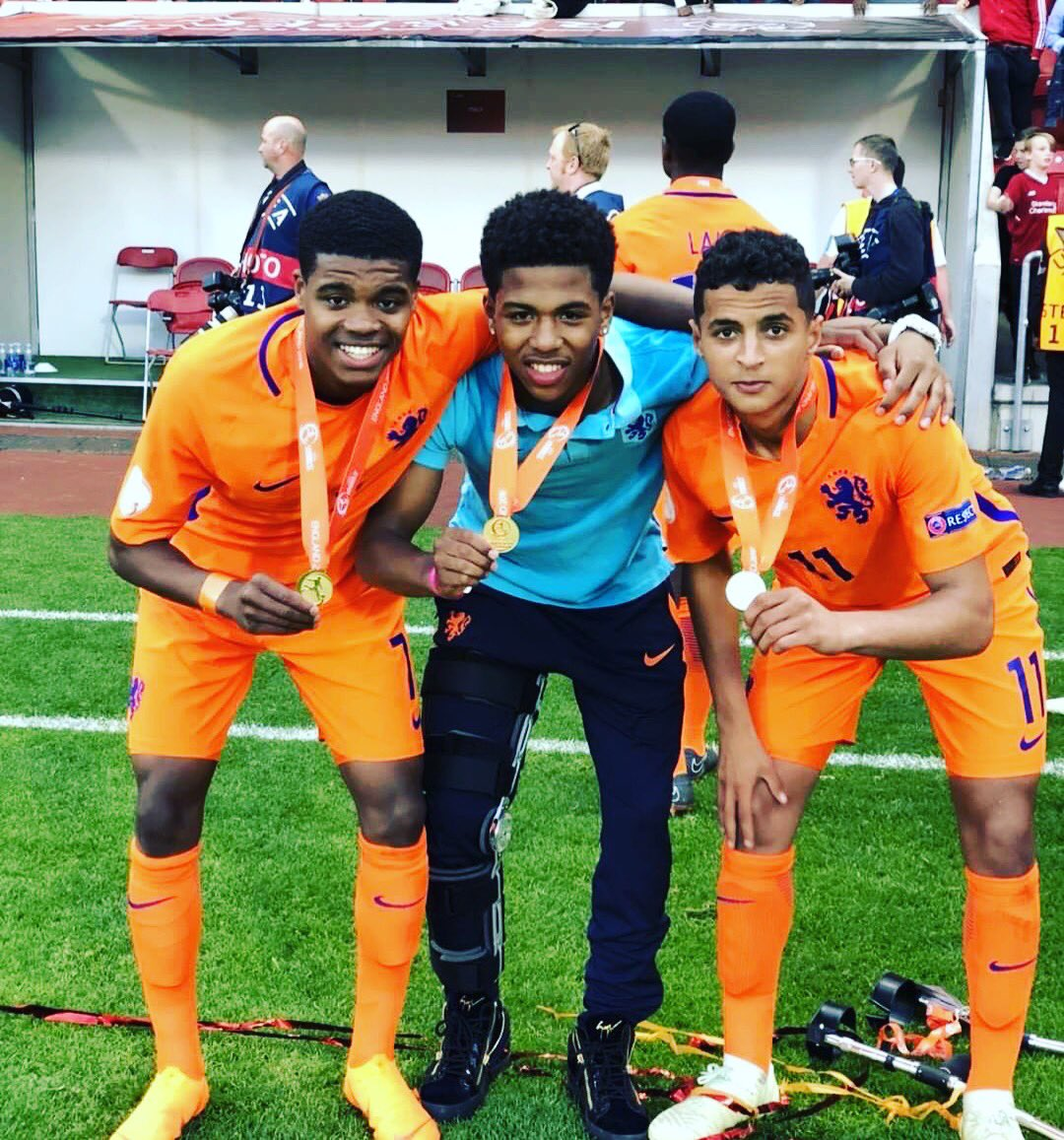 Well done Nigel Thomas, Shurandy Sambo and Mo Ihattaren for winning the European title for @OnsOranje 017, after winning the league with @PSV! 👏👏👌👌👊🏼👊🏼💪🏻💪🏻 Get well soon shurandy!