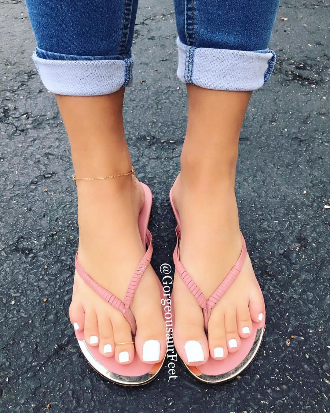 👣 Her Sexy Feet 👣 on Twitter: (Photo Credit