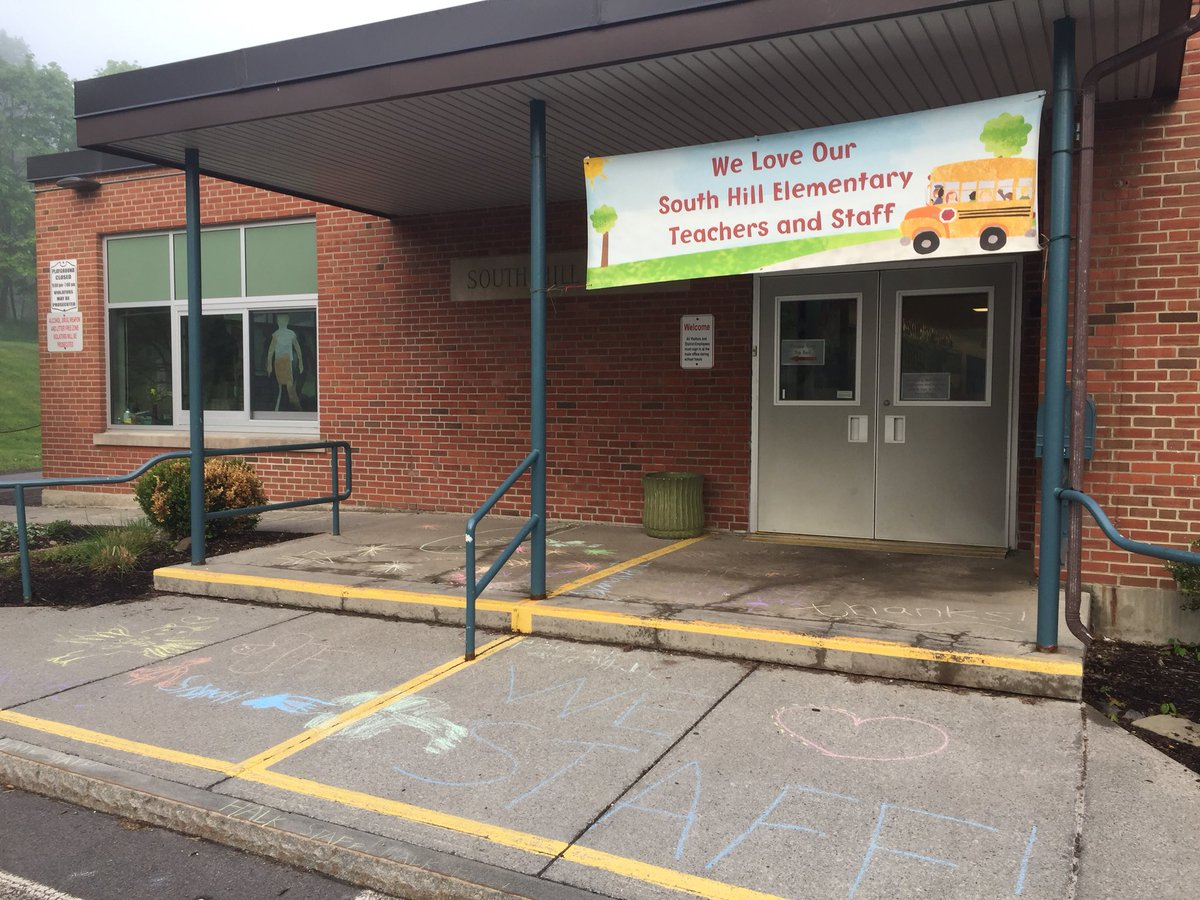 The PTA chalked the walk for our teacher appreciation week! What a great banner too - thanks @SouthHillPTA