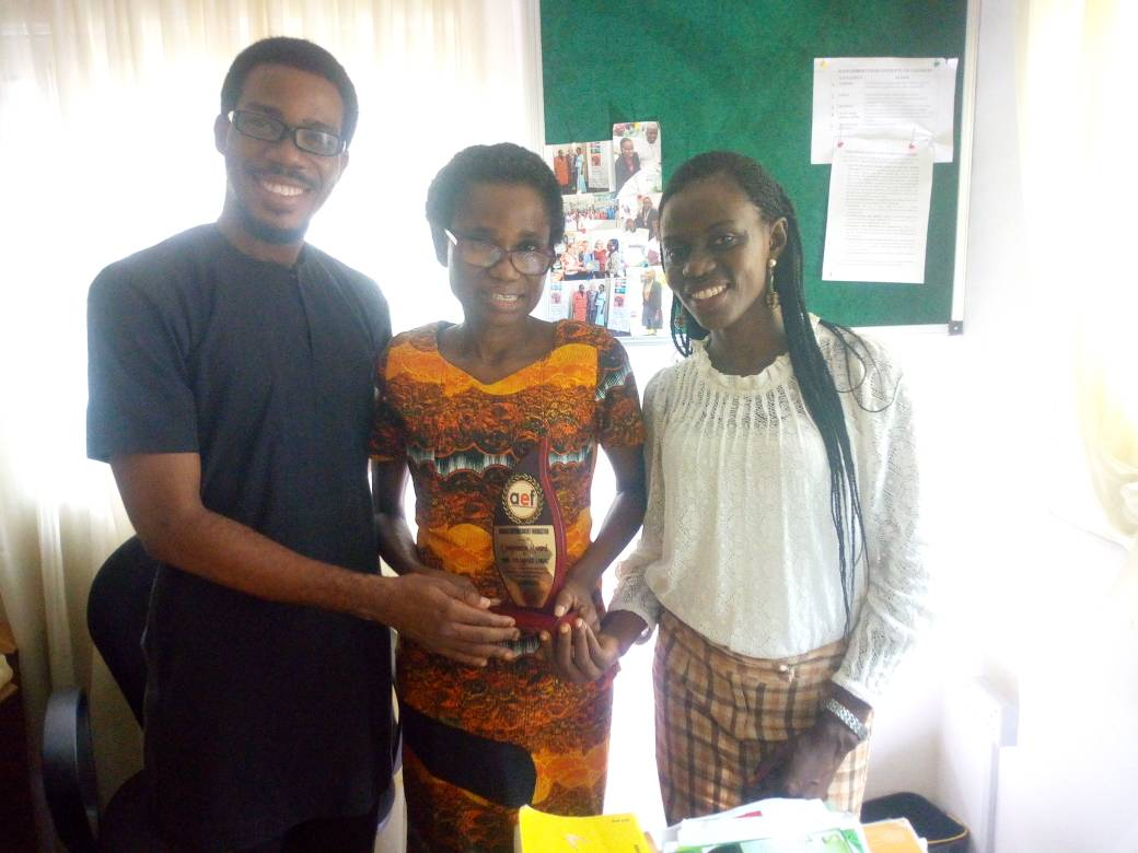 AEF Lead Director, MO Oladapo and the PR Officer, Amaka Okwuashi presented the #CompassionAward to Pharm. (Mrs.) Folasade Lawal of @victorydrugs for her selfless participation and partnership at the just concluded AEF Compassion Charity event held in Festac, Lagos.  @pastorlyne1<br>http://pic.twitter.com/i70VprBS1N