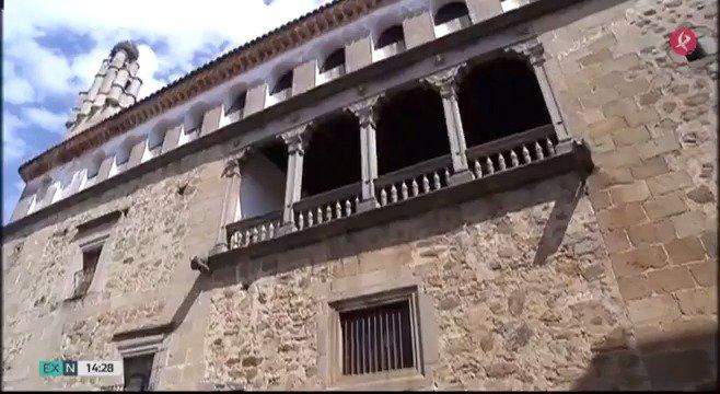 El Palacio de Osorno ha sido declarado Bien de Interés Turístico. Es la construcción civil más relevante de Pasarón de la Vera y de toda la comarca. También alberga alguna leyenda… te lo cuenta @sblamon 👇 #EXN https://t.co/Tm3BogdSgF
