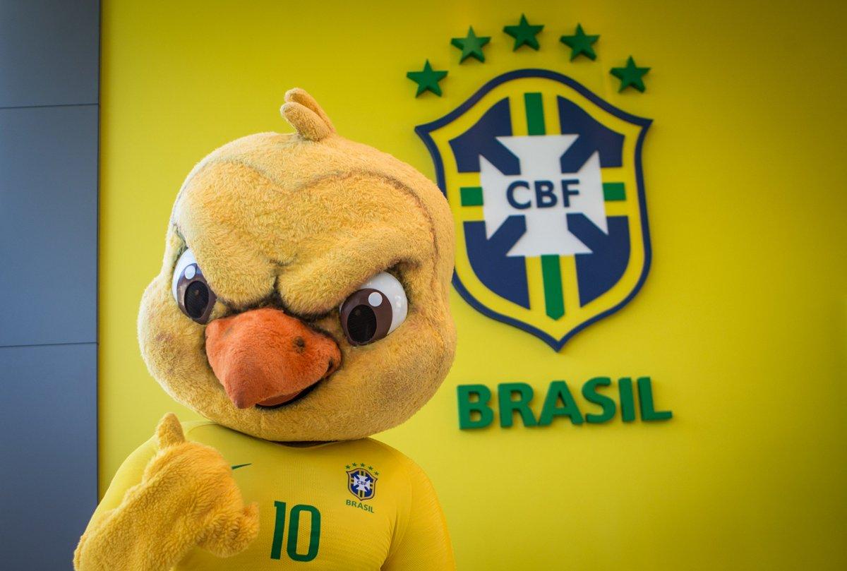 🇧🇷 É HOJE! O mascote que você respeita já está na Granja Comary para recepcionar os jogadores. E aí... O HEXA VEM?  ♥ SIM 🔁 CLARO