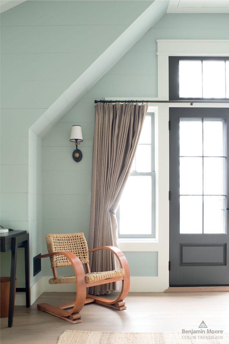 Benjamin Moore On Twitter Silver Marlin 2139 50 From Our Color Trends 2018 Palette Creates A Serene Office Space For Creative Thoughts To Bloom Https T Co 2yssgeaw4o Https T Co Cardwsmjbs
