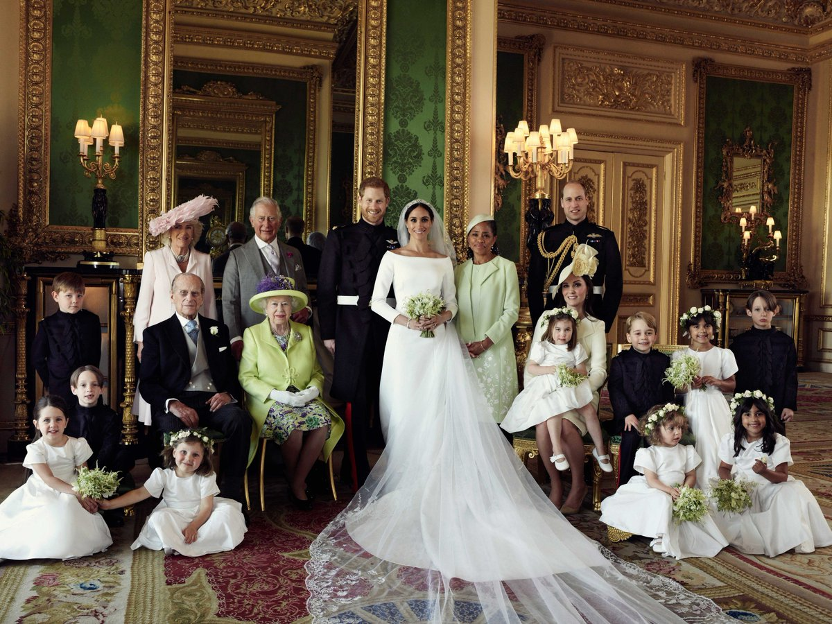 Official photographs from the #RoyalWedding have been shared by the @RoyalFamily 👇
