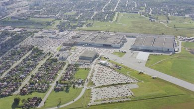 Bombardier to sell downsview assembly facility #BizAv  http:// aviationweek.com/business-aviat ion/bombardier-sell-downsview-assembly-facility &nbsp; … <br>http://pic.twitter.com/NBrcARL3mt