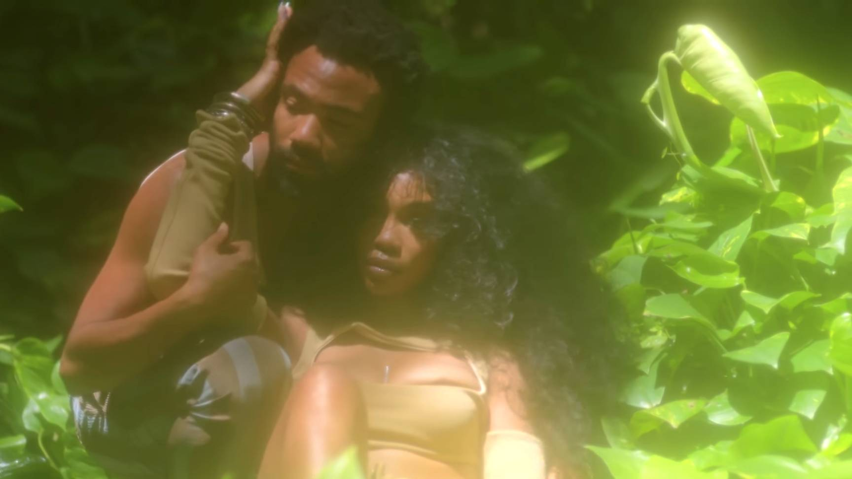 SZA and Donald Glover get hot and steamy in the #Garden video: https://t.co/8t7fj1Vb5J https://t.co/MlLSjJ2XGF