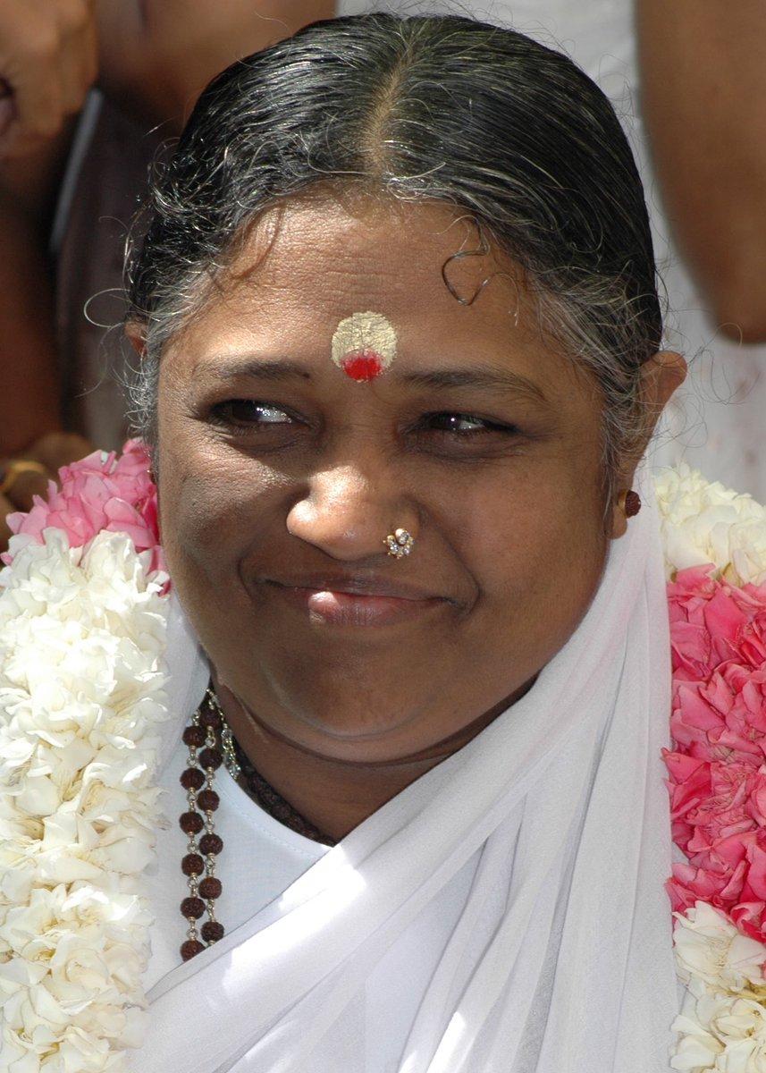 Amma Mata had given over 32 million hugs