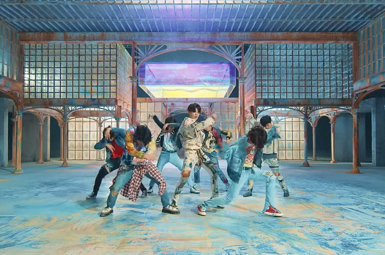 BTS' 'Fake Love' music video has the biggest 24-hour YouTube debut of 2018 https://t.co/7jfgVvrPvA https://t.co/llQUF3hvM7