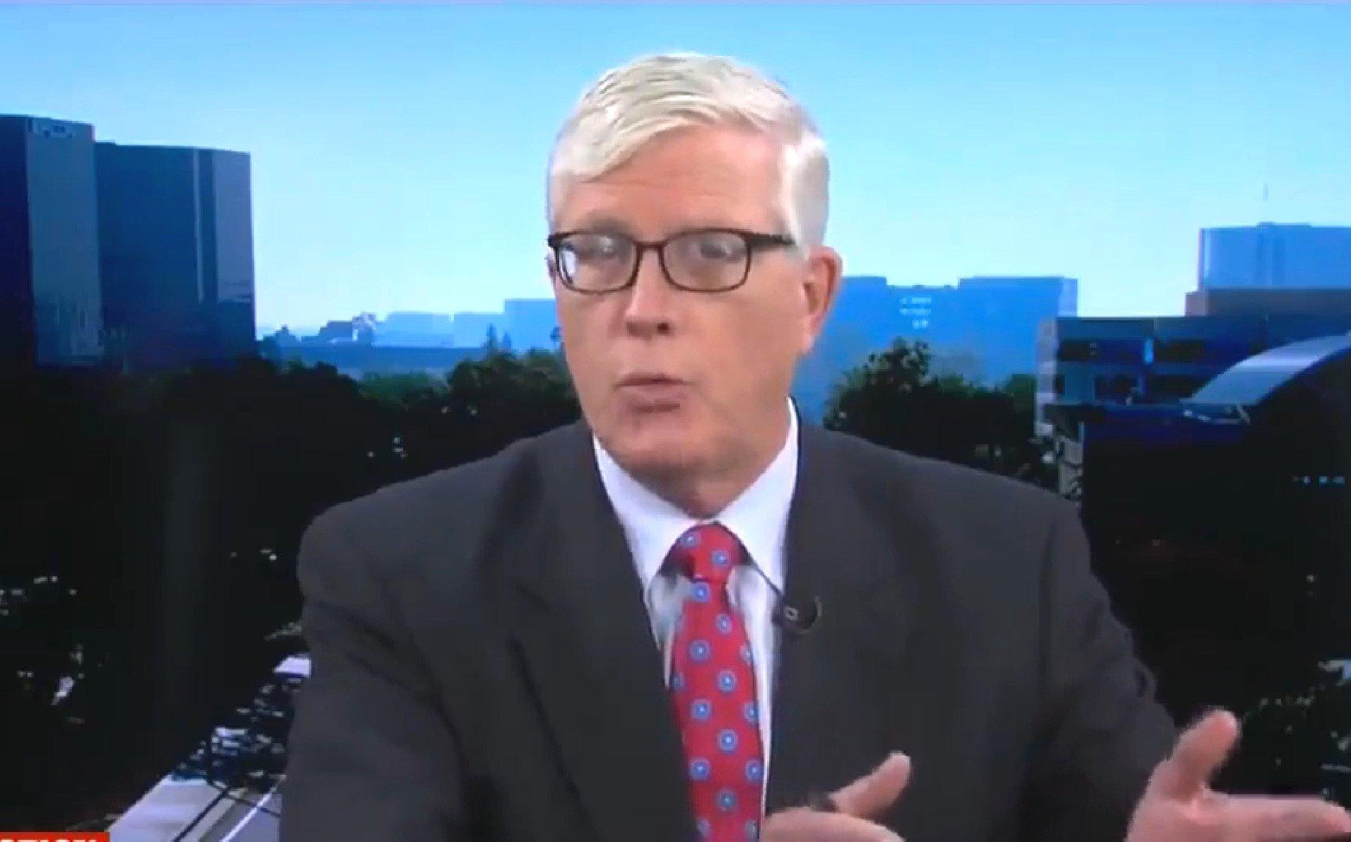 Conservative Commentator Hugh Hewitt Proposes 'No More Trench Coats' After Santa Fe Shooting https://t.co/onaxZtg2eN https://t.co/3wzkYFGBB8