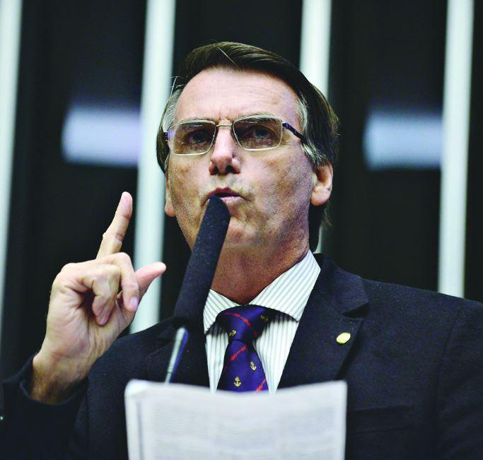 Para Bolsonaro, é melhor menos direitos trabalhistas que perder o emprego https://t.co/QbY7m4J1XB