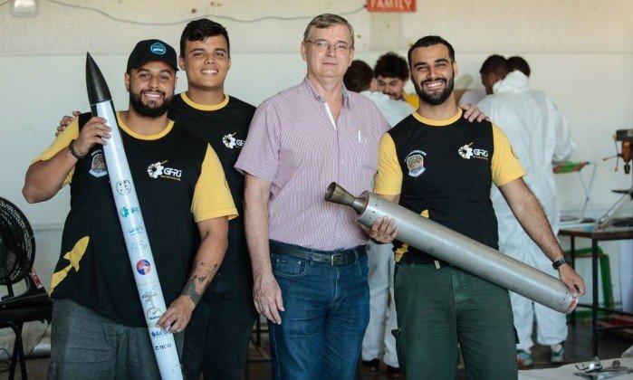 Com vaquinha online, alunos da Uerj vão levar foguete aos EUA. https://t.co/qKcZh1af95