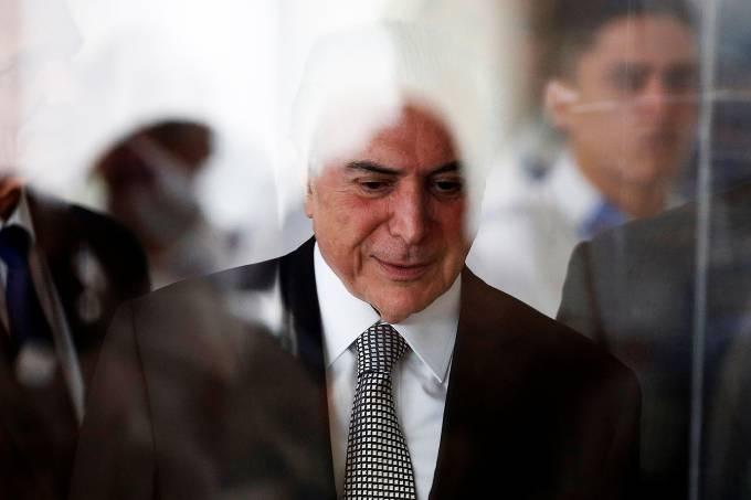 Temer se reúne com advogado no inquérito dos Portos https://t.co/jGAyU91PHz