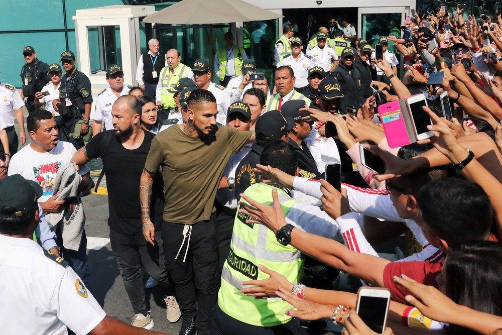 Capitães de França, Dinamarca e Austrália reforçam pedido de liberação de Guerrero https://t.co/bHL15FzBKo