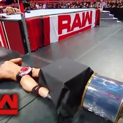 #RingRust @WWE ~ @BraunStrowman Wasn&#39;t Supposed to Break the #WWEGRR Trophy on Last Week&#39;s #Raw  https:// buff.ly/2rYT4YJ  &nbsp;  <br>http://pic.twitter.com/EpfWVKPQ55